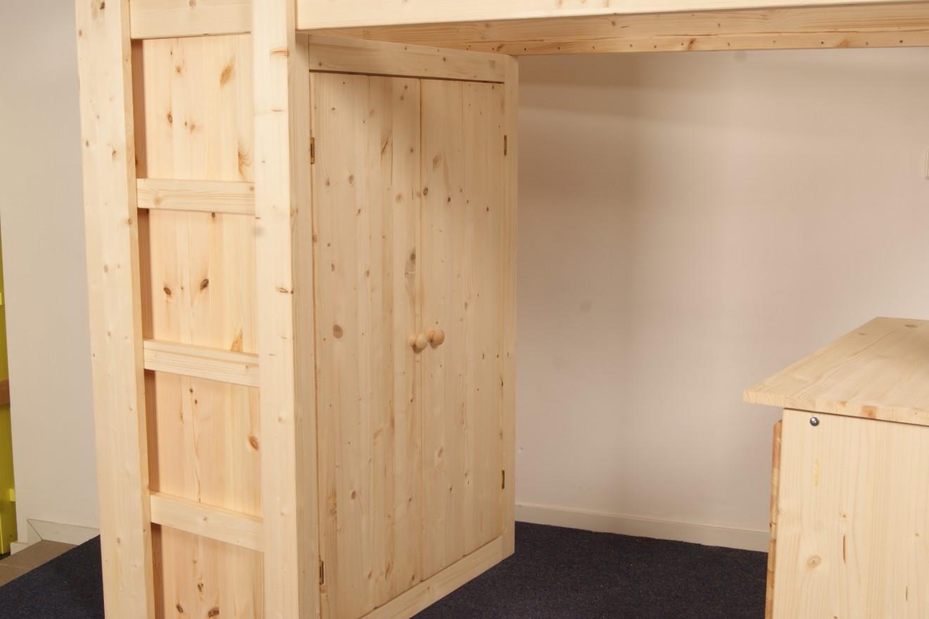 Hoogslapers 1 persoons hoogslaper met kast en bureau for Grenen ladeblok