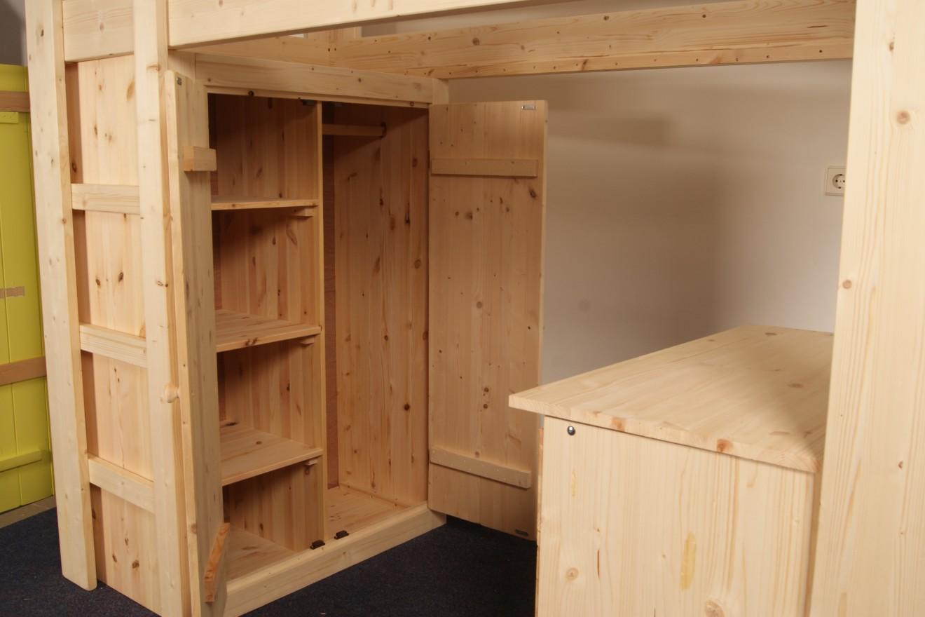 Hoogslaper Met Kasten Eronder : Hoogslaper van steigerhout met bureau eronder en aparte