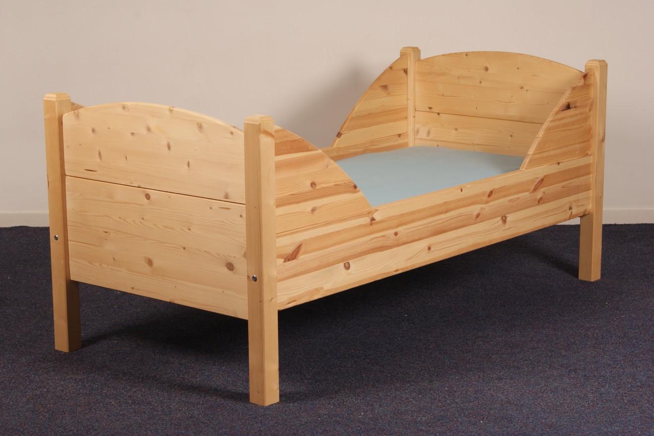 Peuterbedden bedden blankhouten meubels - Trap meubilair kind ...