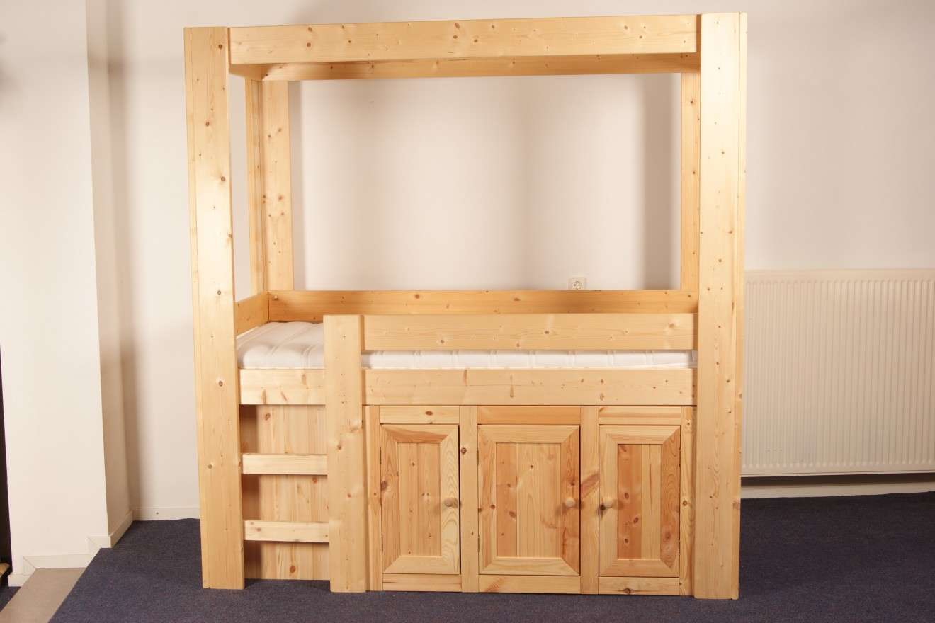 Stapelbedden hoogslapers bedden blankhouten meubels - Kast kind grenen ...