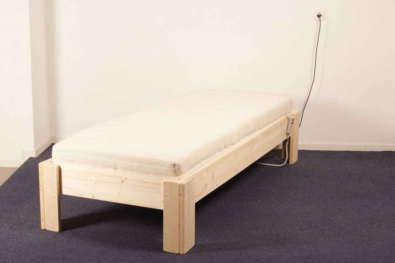 1 persoons bedden bas blankhouten meubels - Exotisch onder wastafel houten meubilair ...