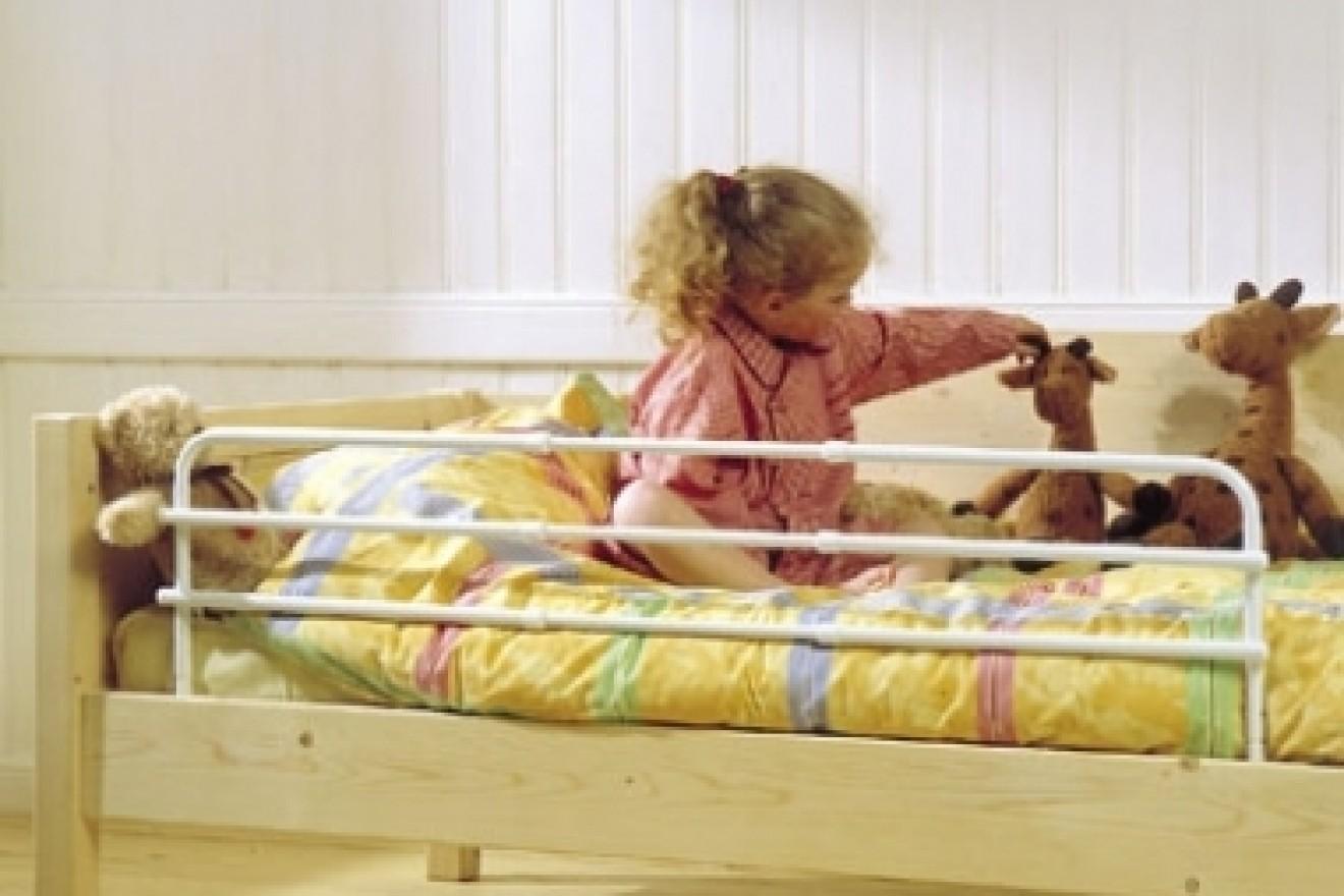 Peuterbedden en kleuterbedden bedden blankhouten meubels - Trap meubilair kind ...